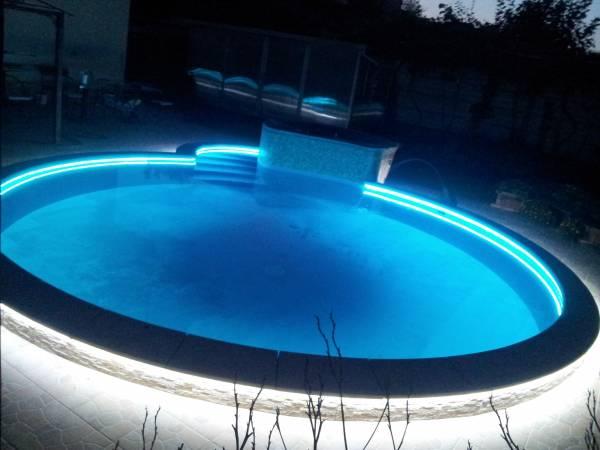 Illuminazione a led piscina - Strisce led per bordo piscina ...