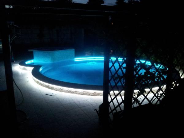 Illuminazione a led piscina