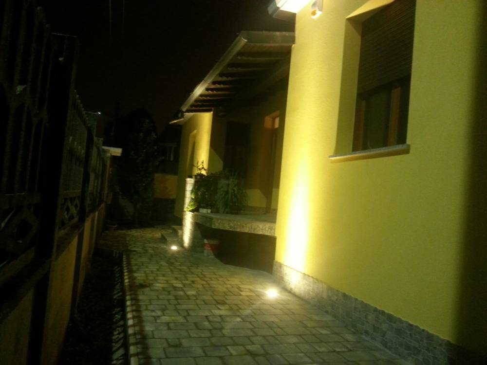 Illuminazione esterna a led villetta